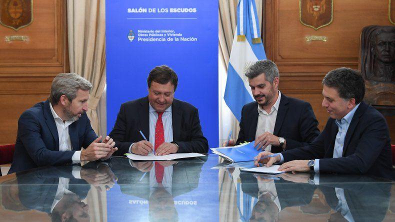Weretineck firmó la compensación de deuda que tenía la provincia con el Tesoro Nacional a cambio del bono del Consenso Fiscal.