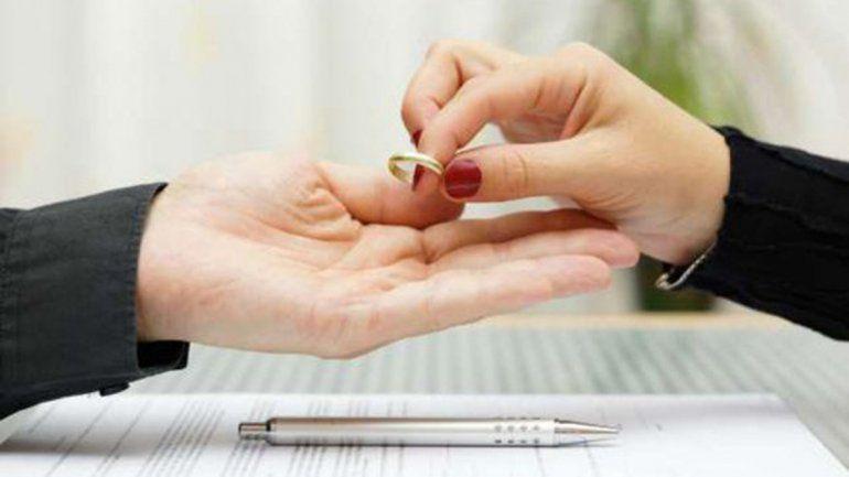En menos de un año, casi 700 parejas se divorciaron en Río Negro