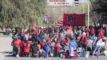 organizaciones sociales salen  a cortar rutas en la region
