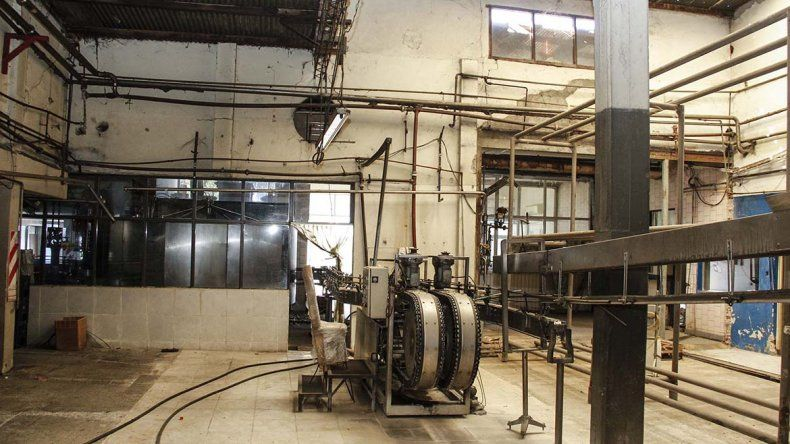 Así luce hoy la histórica fábrica de gaseosas Interlagos tras la quiebra