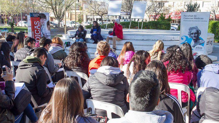 La Facultad de Medicina realizó toda su actividad en la plaza.