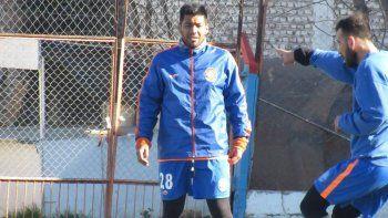 El cipoleño Lucas Mellado tuvo una lesión ósea en Roca.