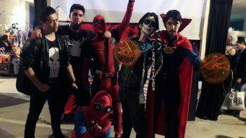 personajes de comics y anime coparon la ciudad por un dia