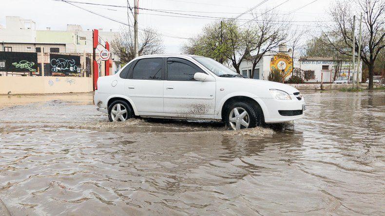 Llovió más de lo esperado y la ciudad se inundó otra vez