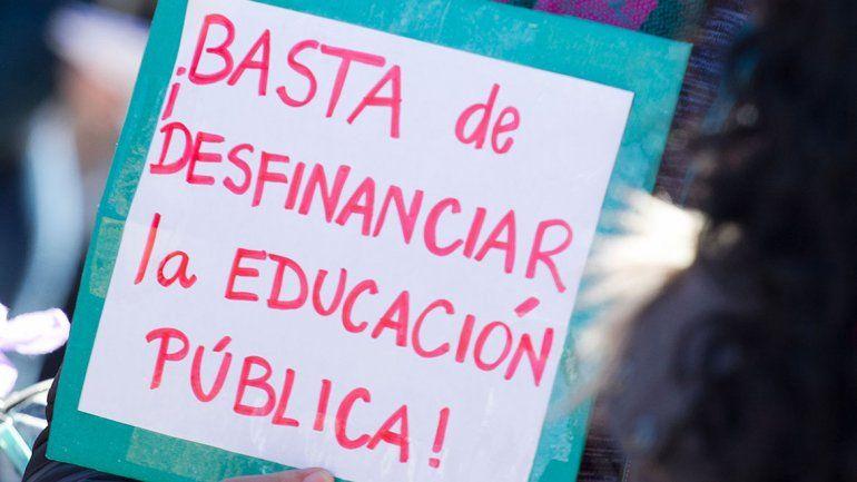 El reclamo de Odarda se sumó al de estudiantes y profesores.
