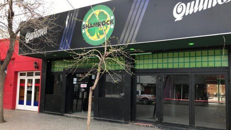 La Dirección de Comercio clausuró esta mañana el polémico pub Shamrock