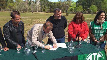 El intendente Tortoriello destacó el acuerdo firmado con ATE.