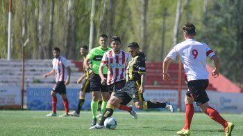 Independiente de Neuquén empató de local y quedó último.