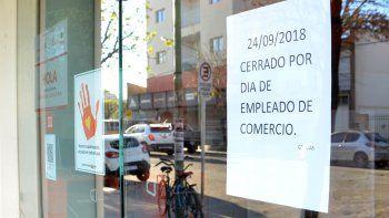 La gran mayoría de los comercios de Cipolletti ayer estuvieron cerrados.