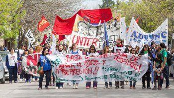 multitudinaria marcha en la ciudad por el paro nacional