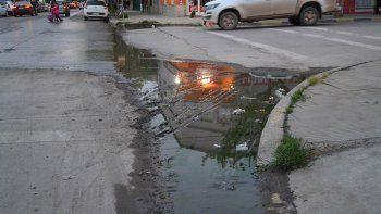 Los trabajos de refacción empezarán por la calle Roca, la más contaminada.