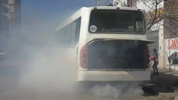 Cinco Saltos: explotó el motor de un colectivo Pehuenche