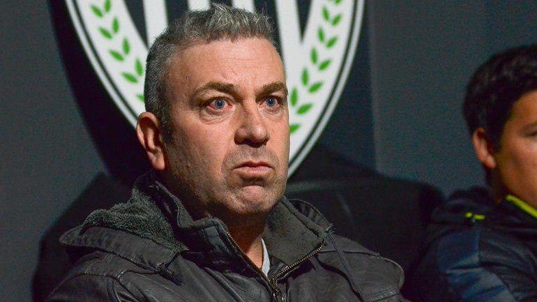 Zwenger fue duro contra Sastre y su forma de conducir al Deportivo Madryn. El titular del club de Chubut no se quedará quieto y llevará al DT a la Justicia.