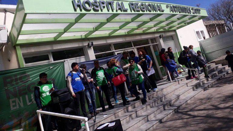 Hubo protestas en todos los hospitales de la provincia