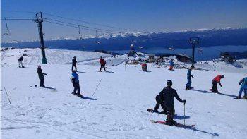 La nieve sorprendió a todos en plena primavera en Bariloche