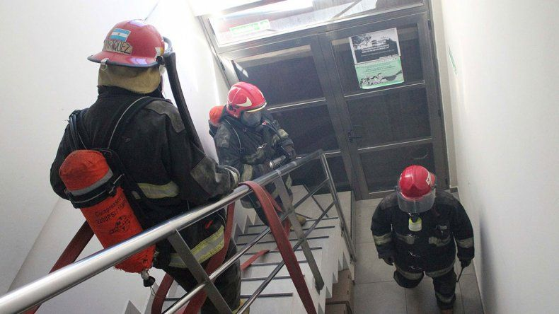 Los bomberos pedirán a diputados de Cambiemos por la ley de ART