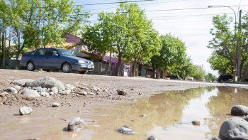 denuncian que tienen que pagar un asfalto que no pasa por sus casas