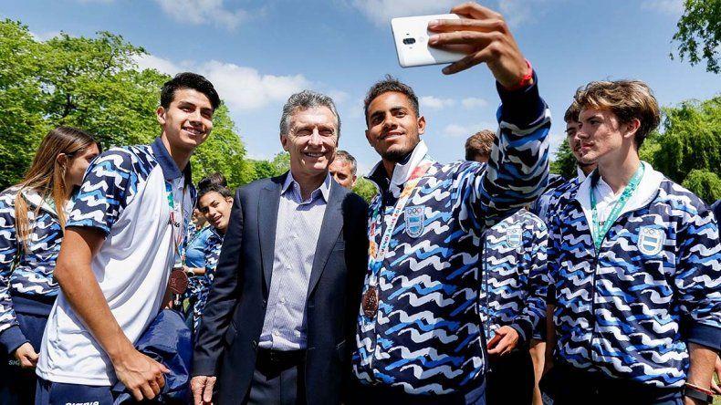 Macri recibió a los rionegrinos de los JJ.OO. de la Juventud