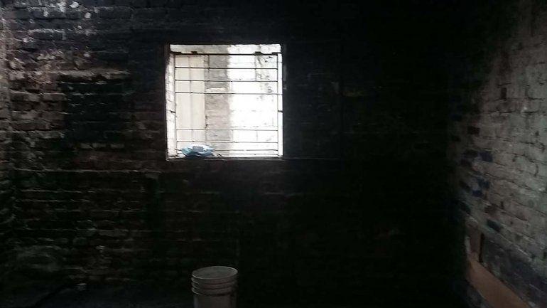 Se incendió una casa en Martín Fierro y toda una familia se quedó en la calle