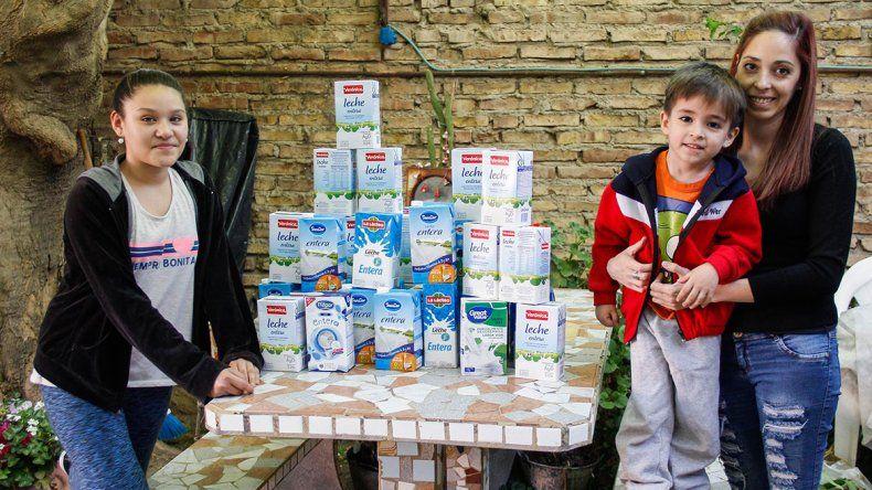 Juntó más de mil litros de leche para merenderos