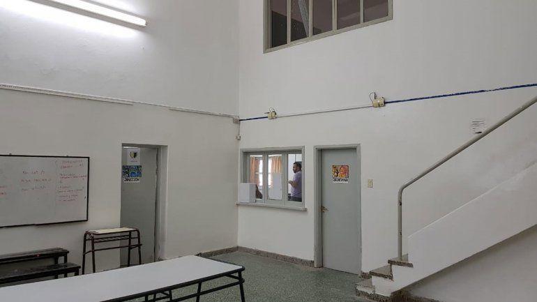 El edificio de la ESRN 5 luce completamente renovado.