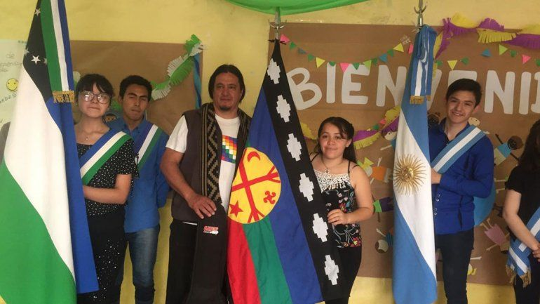 Reivindicación mapuche en una escuela cipoleña