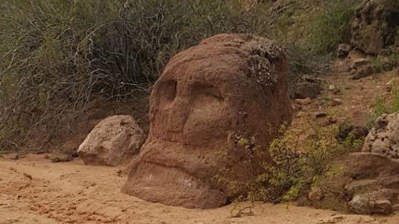 Una roca de la Margen Sur llama la atención de cientos de aventureros