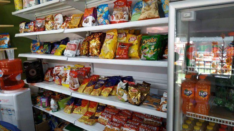 Operativo: retiraron miles de productos vencidos de los supermercados y almacenes
