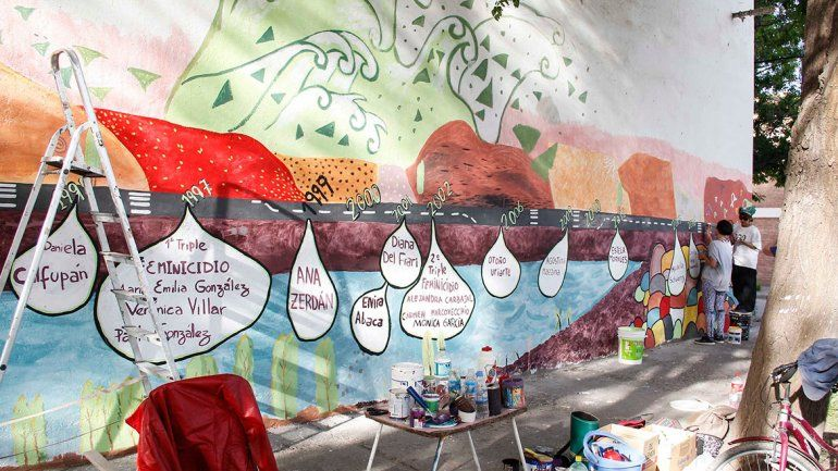 Cipoleñas hicieron otro mural contra los femicidios