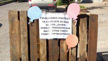 insolito: vecinos de general roca le festejaron el cumple a un pozo
