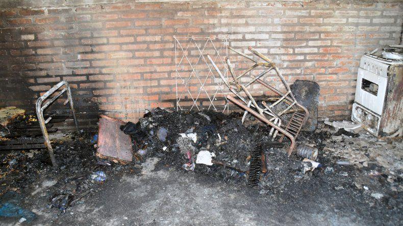 Viedma: una mamá y sus 6 hijos murieron en un incendio