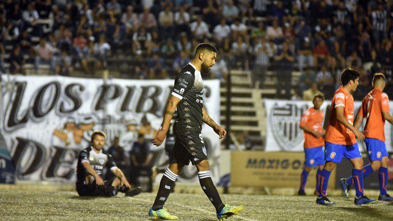 Cipo goleó 3-0 a Sol de Mayo en La Visera