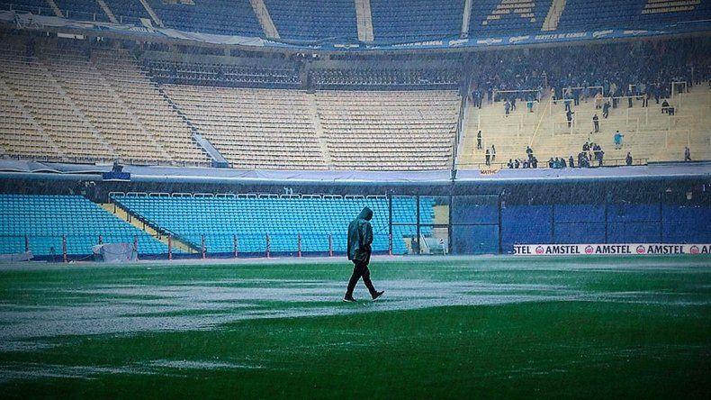 Se suspendió la Superfinal entre Boca y River por la intensa lluvia: se jugará mañana