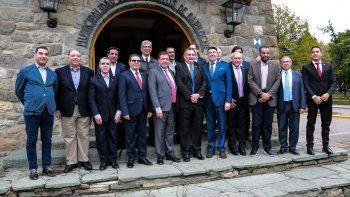 reunion cumbre con embajadores de paises arabes