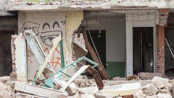destruyeron la casa que habia sido usurpada por dos familias