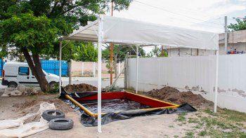 alumnos tecnicos le construyeron un arenero a un jardin
