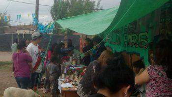 vecinos realizaron una feria solidaria en el barrio obrero