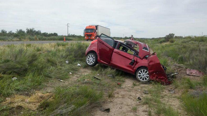 Una médica murió en un violento accidente sobre la Ruta 22