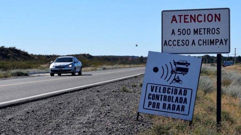 El radar controla la velocidad sobre los 2 mil metros de la zona urbana de Darwin.