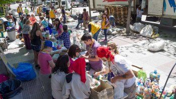cipolenos juntaron miles de tapitas para el hospital garraham