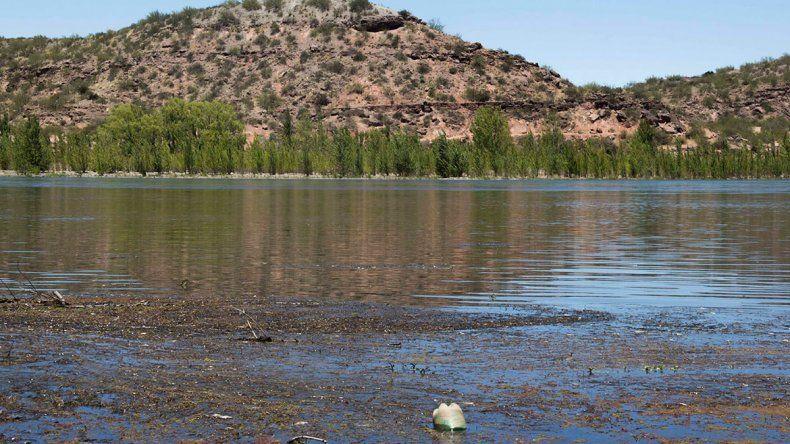Exigen avances en la denuncia por contaminación de los ríos