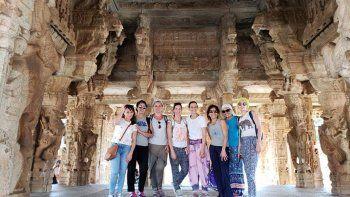un viaje espiritual cambio la vida de un grupo de amigas cipolenas