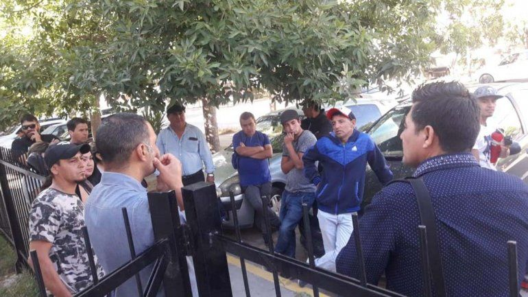 En Trabajo se abrió una negociación por despidos en la comuna