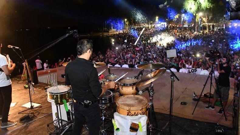 La Fiesta del Agua se vivió a pleno en el lago Pellegrini