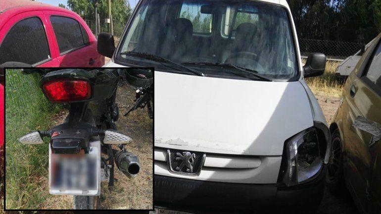 Un brutal choque entre un utilitario y una moto dejó una mujer herida de gravedad