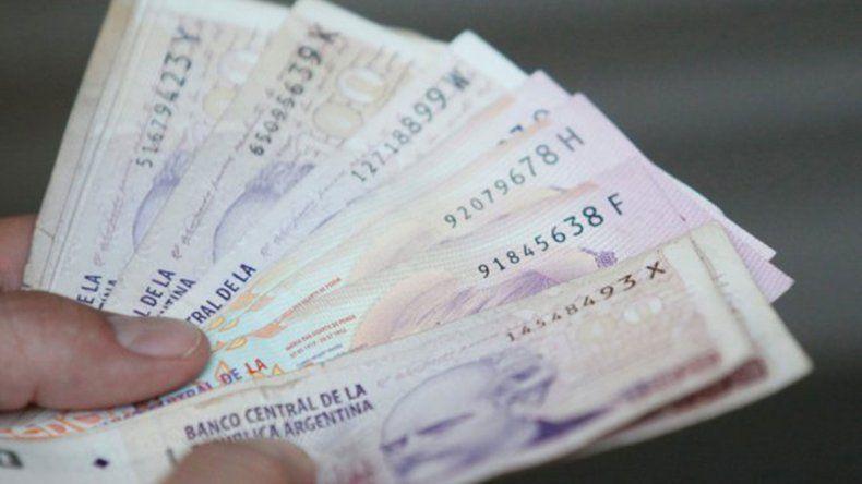 Multan a banco por entregar dinero a personas no autorizadas