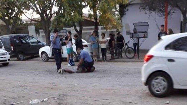 Le robó la bici a un chico que jugaba en la plaza y terminó preso