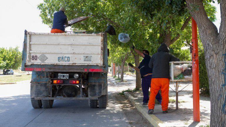 Camiones volcadores para la recolección de la basura doméstica