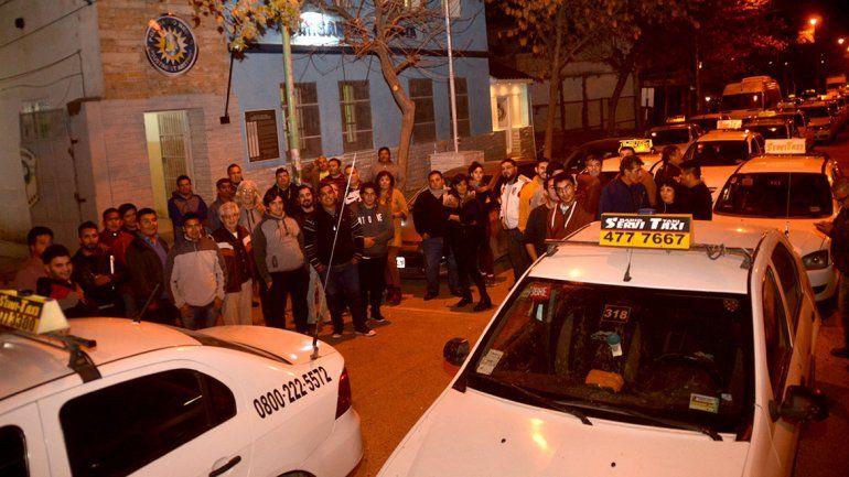 Controlan los taxis para evitar nuevos asaltos