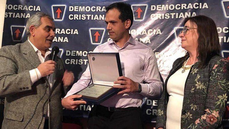Premiaron en Buenos Aires al ginecólogo Rodríguez Lastra por obstruir un aborto legal